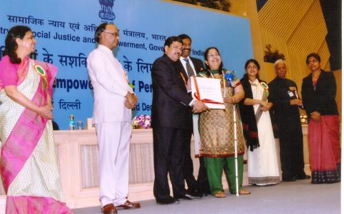 National award 2011_Sushmeetha_receiving alt text
