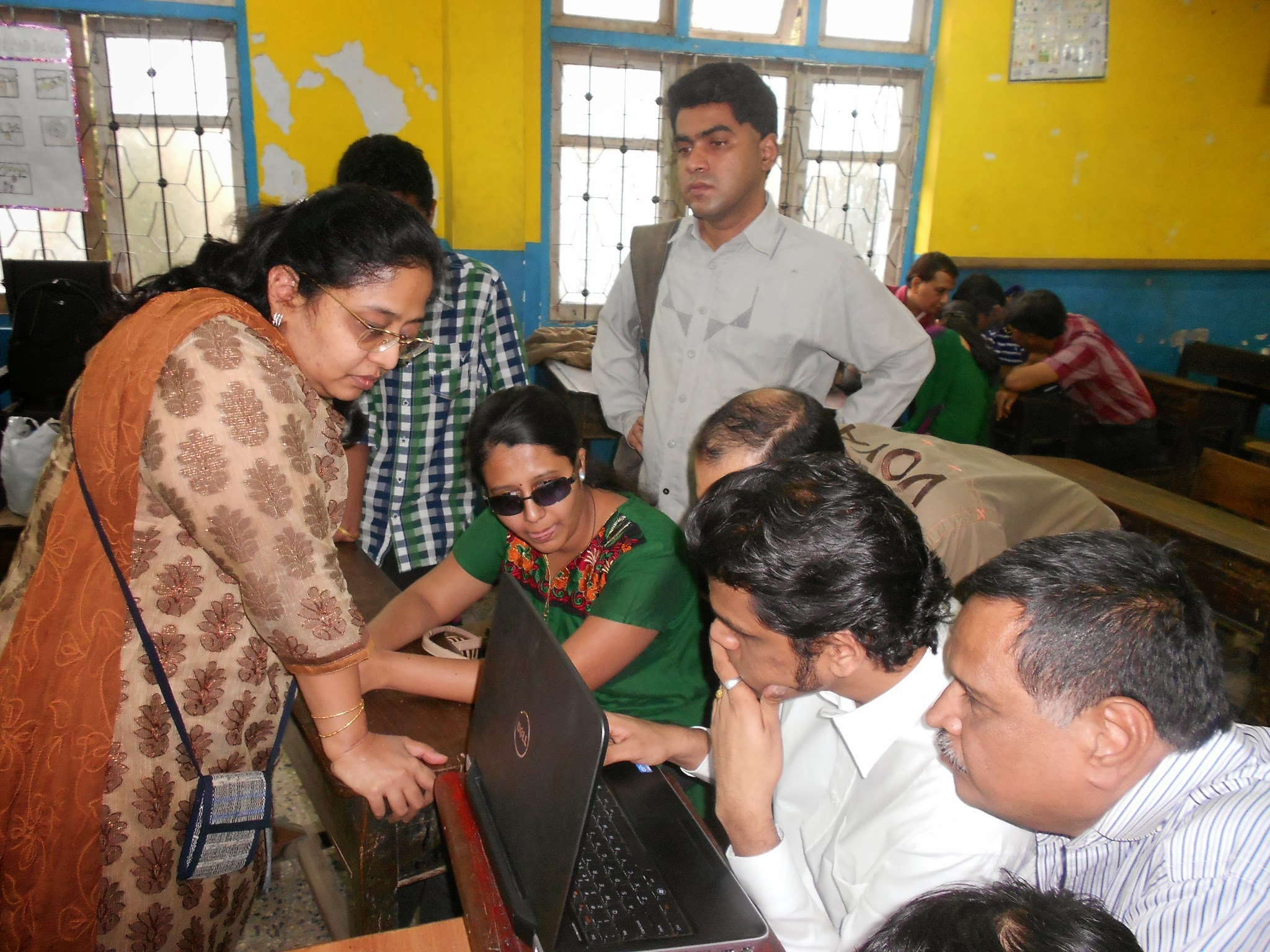 A picture where sushmeetha bubna, founder of Voice vision is giving instruction to participants